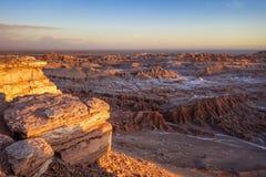 Valle de los angeles Luna przy zmierzchem w San Pedro De Atacama, Chile zdjęcie royalty free