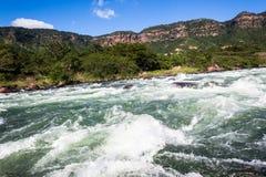 Valle de los rápidos del agua de río Imágenes de archivo libres de regalías