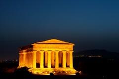 Valle de los templos en la noche Imagenes de archivo