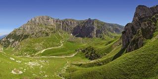 Valle de Malaiesti, montañas de Bucegi, Rumania Foto de archivo