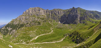 Valle de Malaiesti, montañas de Bucegi, Rumania Imagen de archivo