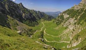 Valle de Malaiesti, montañas de Bucegi, Rumania Fotografía de archivo