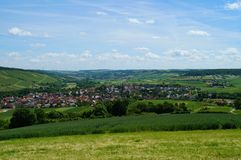Valle de Markelsheim, pieza del vino de la calle romántica turística famosa en Baviera foto de archivo