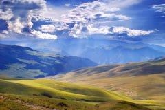 Vallée de montagne Photographie stock libre de droits