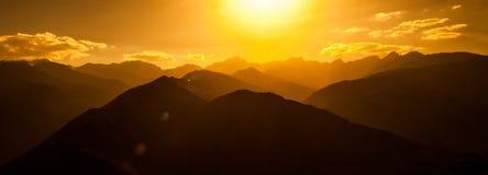 Valle de Spiti de la puesta del sol fotos de archivo