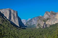 Valle de Yosemite en la opinión del túnel Fotografía de archivo libre de regalías