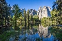 Valle de Yosemite en la opinión del túnel Imagenes de archivo