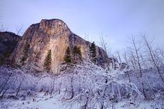 Valle de Yosemite en la opinión del túnel Fotos de archivo
