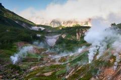 Valle dei geyser, Kamchatka, Russia Primo piano di vista superiore fotografia stock libera da diritti