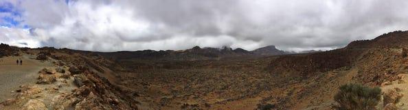 Valle del desierto en panorama del paisaje de la montaña Foto de archivo libre de regalías