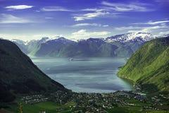 Valle del fiordo de Noruega Foto de archivo libre de regalías