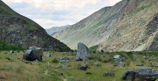 Valle del fiume Chulyshman Panorama di grande dimensione Montagne di Altai, Siberia, Russia Immagine Stock