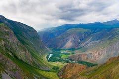 Valle del fiume di Chulyshman Repubblica di Altai La Russia Fotografia Stock Libera da Diritti