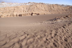 Valle del luna - dal av månen, i atacama, chile arkivbilder