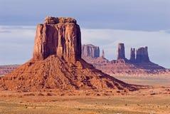 Valle del monumento - butte dell'arenaria Fotografie Stock Libere da Diritti