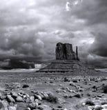 Valle del monumento dei cieli nuvolosi immagine stock libera da diritti