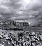 Valle del monumento dei cieli nuvolosi immagini stock libere da diritti