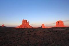 Valle del monumento en la puesta del sol Imagen de archivo libre de regalías