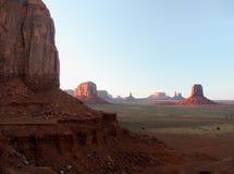 Valle del monumento en la puesta del sol Fotos de archivo