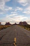 Valle del monumento, strada principale 163, Utah, uguagliante sole Fotografia Stock Libera da Diritti
