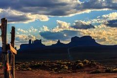 Valle del monumento, Utah, los E Imagen de archivo libre de regalías