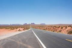 Valle del monumento y U S Ruta 163 Fotos de archivo libres de regalías