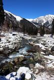 Valle della montagna di Snowy a Sonmarg, Kashmir in India Immagini Stock Libere da Diritti