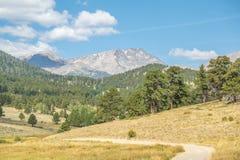 Valle della montagna rocciosa Fotografia Stock