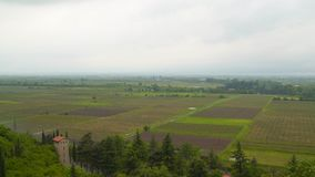 Valle di Alazani in Georgia Tempo piovoso stock footage