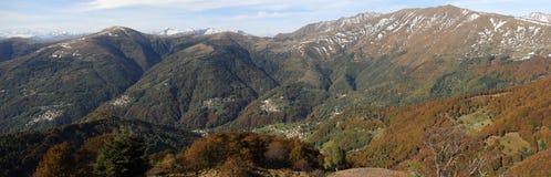 Valle di Colla e le alpi svizzere Fotografia Stock Libera da Diritti