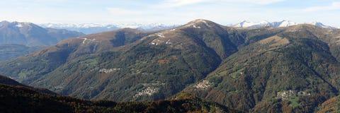 Valle di Colla e le alpi svizzere Immagini Stock Libere da Diritti