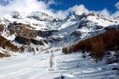 Valle di inverno della montagna immagine stock