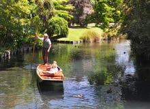 Valle di Mona - calciando su Avon, Christchurch Immagine Stock
