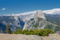 Valle di Yosemite dal punto di vista del punto del ghiacciaio Fotografie Stock Libere da Diritti