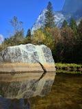 Valle di Yosemite del lago mirror fotografia stock libera da diritti