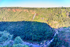 Valle e cascata Fotografia Stock