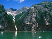 Valle e fiordo della montagna Immagini Stock