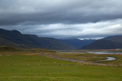 Valle e montagne in Islanda Immagini Stock Libere da Diritti