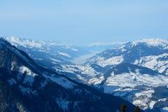 Valle e montagne Wagrain e Alpendorf vicini Immagine Stock