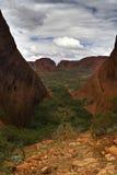 Valle en el parque nacional de Uluru-Kata Tjuta (el Olg) Fotografía de archivo