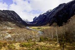 Dale en las montañas de Noruega Imagenes de archivo