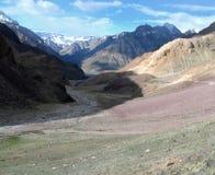 Valle en las montañas Himalayan, la India de Spiti Foto de archivo
