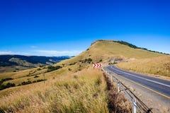 Valle escénico del paso del camino de las montañas Fotos de archivo