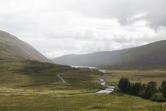 Valle escocés de las montañas fotos de archivo
