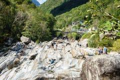 Valle il Ticino Svizzera di Verzasca Fotografia Stock