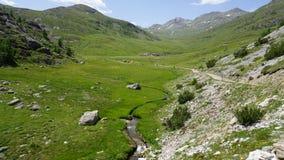 Valle italiano de la montaña del verano Imagen de archivo libre de regalías