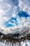 Valle nelle montagne norvegesi Immagine Stock Libera da Diritti