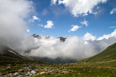 Valle nublado Fotografía de archivo libre de regalías