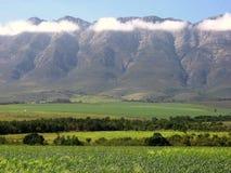 Valle nublado de la montaña Foto de archivo libre de regalías