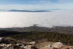 Valle riempita da nebbia Fotografia Stock Libera da Diritti
